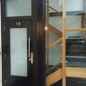 woodford-rd-appartments-exterior-door